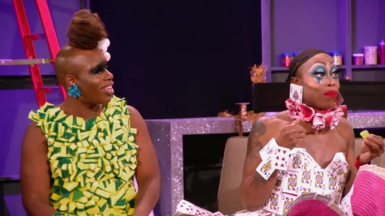 LEGENDADO -UNTUCKED RuPaul's Drag Race S10E01 - 10s Across the Board