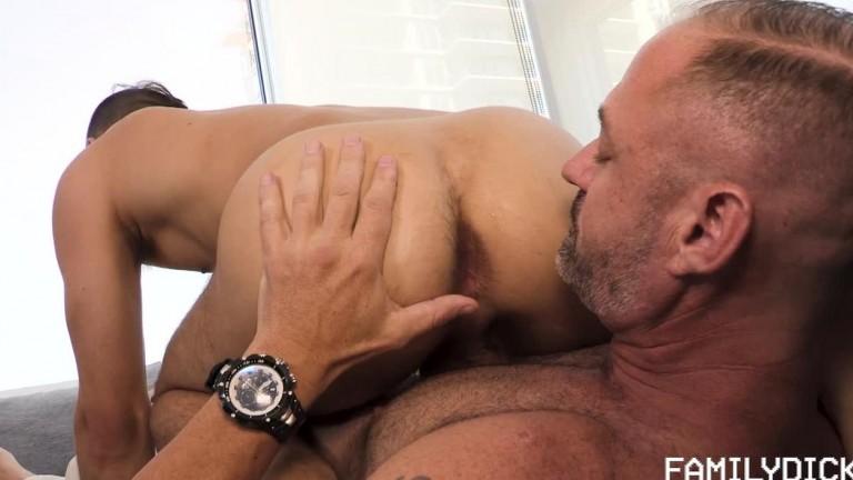 Family Dick - Stepdad Boyfriend - Chapter 3 - Bad Date.