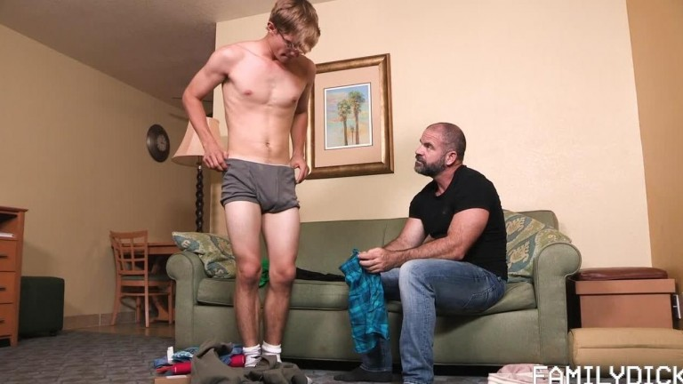 FamilyDick - Like Father, Like Son - Chapter 1 - Back to School