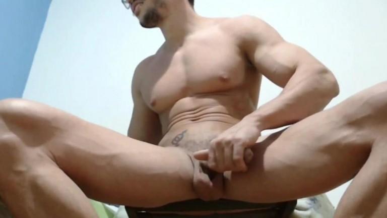 Hot Muscle Dude Jerk Off