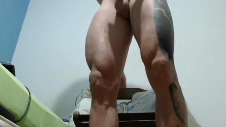 Hot Muscle Dude Jerk Off
