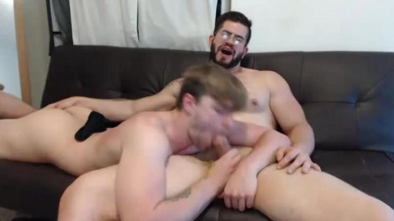 Gostoso e safado show na webcam 5