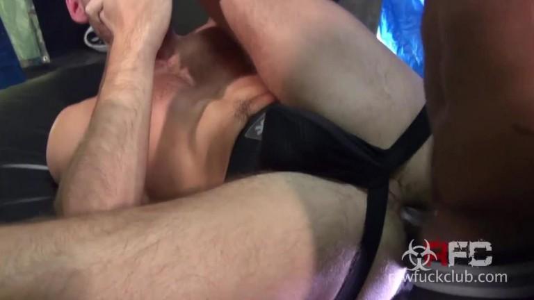 Aaron Trainer Trains Max Adonis
