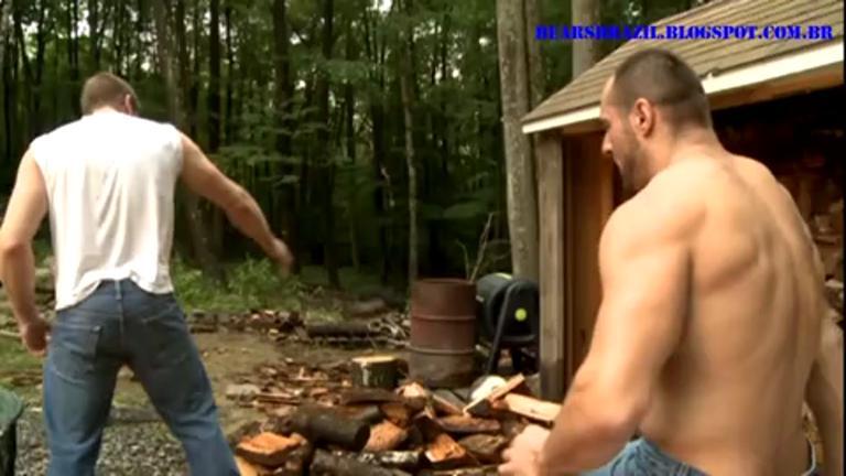 Metendo no Rabo do Amigo na Floresta