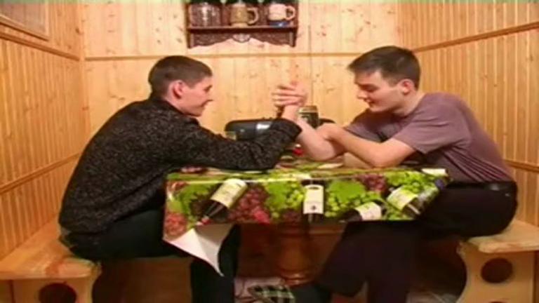 Gorotos russos se chupando na suana