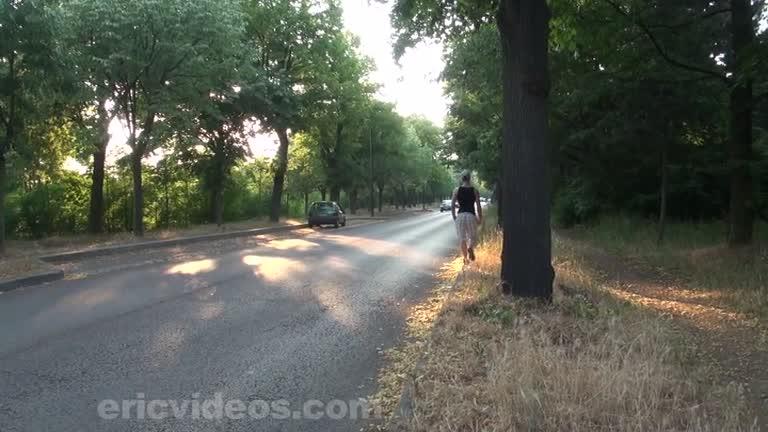Matt levando piroca do Brasileiro Cristiano no meio do mato