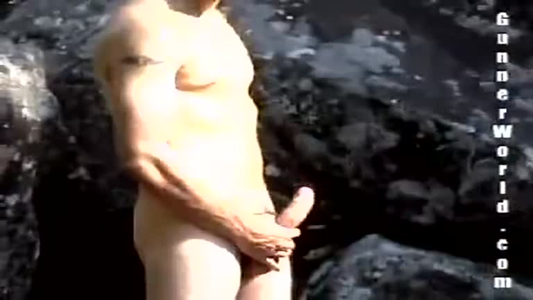 Suruba na cachoeira