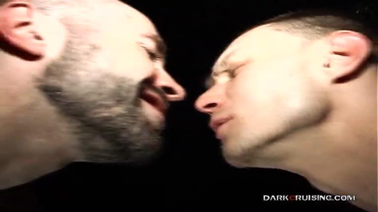 Sexo sujo e puto no Dark Room