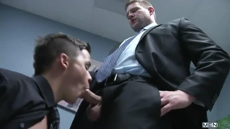 Levando pica do chefe