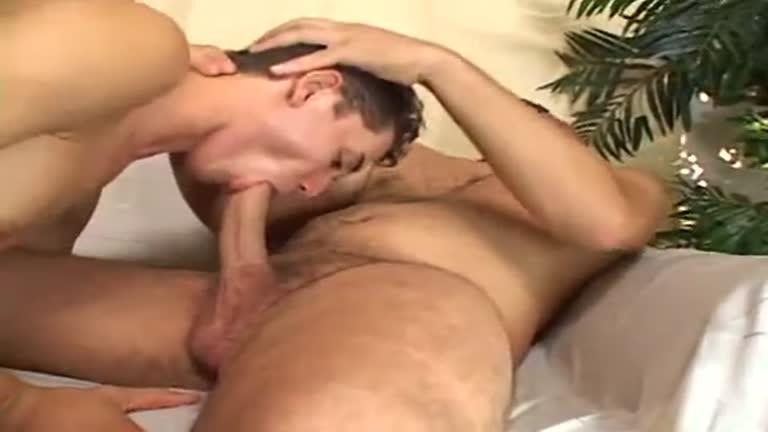Ricco Puentes is fucking fags bareback (Filme Completo)