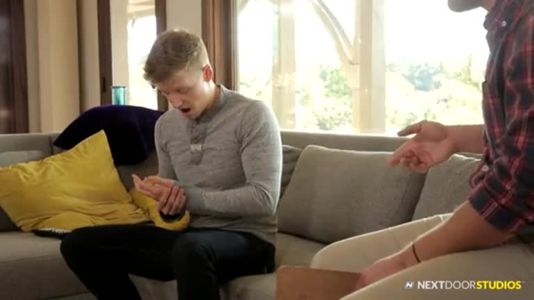 Cobrando o aluguel (Alex Tanner e Bridger Watts)