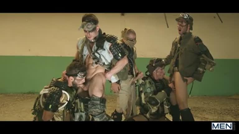 Apocalypse 04 (Damien Crosse, Dario Beck, Hector De Silva, Jay Roberts e, claro, Paddy O'Brian)