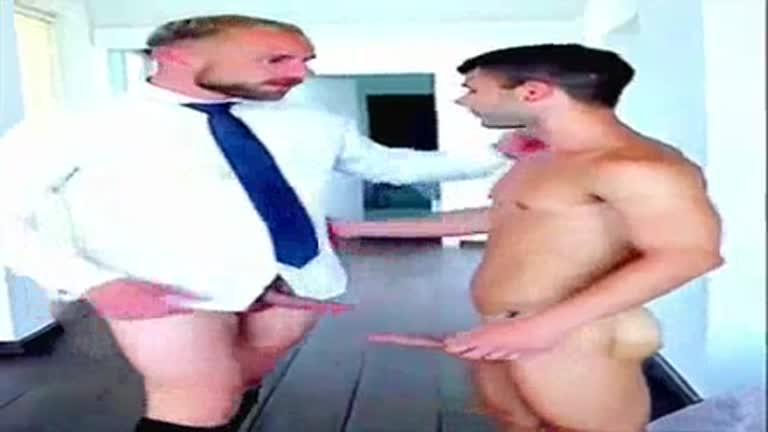 Varios momentos do porno gay