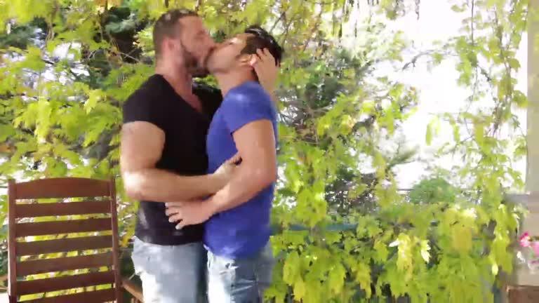 Homens lindos ao ar livre (Antonio Miracle e Derek Allan)