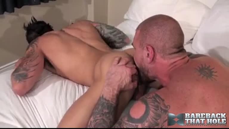 Rocco rasgando outro cuzinho apertado