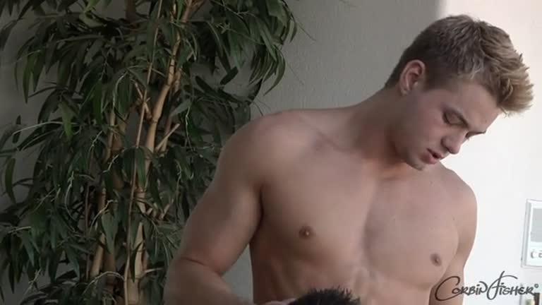 O Loirão Connor Comendo o Garotão Aiden!