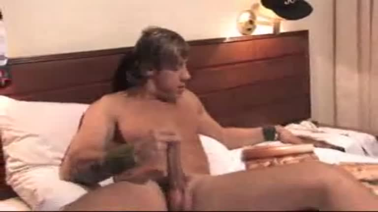 Hétero Comedor de Buceta deixa ser Chupado (CLÁSSICO DO SoloBoys)