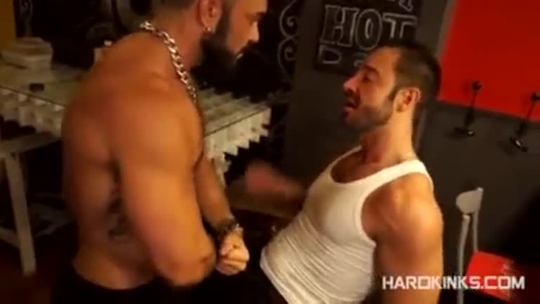 Rogan Richards 100% no Comando.