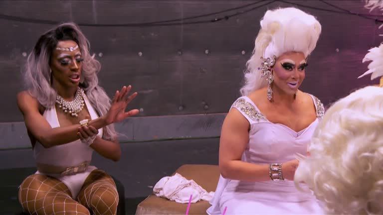 RuPaul Drag Race - UNTUCKED - She Done Already Done Brought It On - S09E02