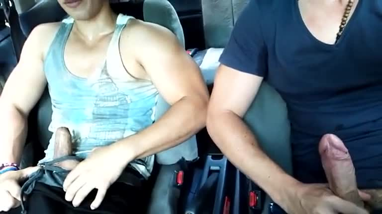 Pagando um boquete gostoso no carro
