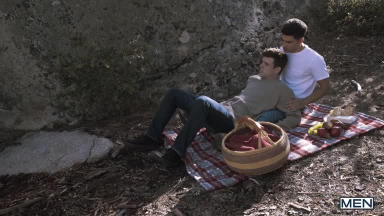 MEN - Twink Peaks Part 1 - Noah Jones, Vadim Black