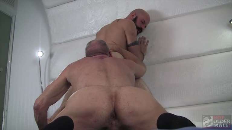 Hot Older Male - Flip Fucking with Scott Reynolds and Mickey Carpathio
