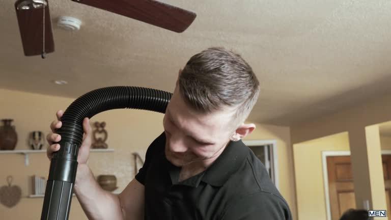 MEN - Getting A VJ - Connor Maguire, Jacob Peterson