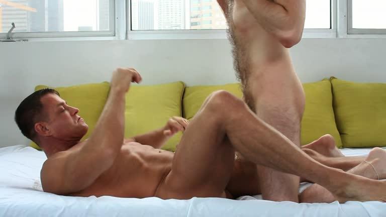 Man Royale - Chad Hunter & Tyler Saint - A Hard Rub